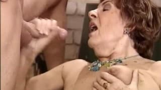 Old cougar wants young meat