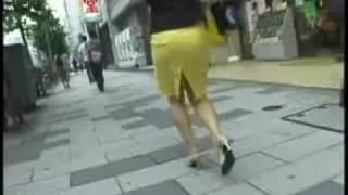 Amazing upskirt in the street