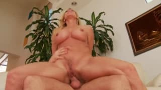 The brand new neighbor get's lucky with horny housewife