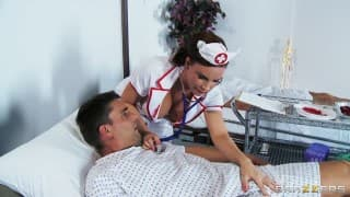 DOUBLE PENETRATION!!!!!! Nurse has a secret addiction to dick