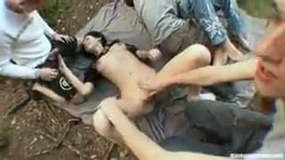 Drunk students organize a small orgy outdoors