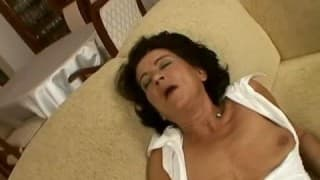 A mature woman for an exciting pov