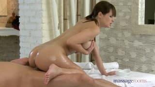 she massages