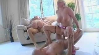 Hot foursome with Jamie Brooks & Isabella Soprano