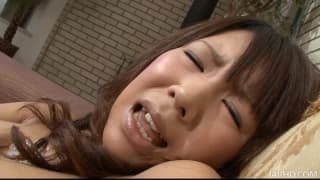 Maki Sakashita plays with a dildo