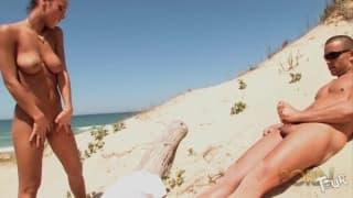 Jade Laroche has sex on the beach