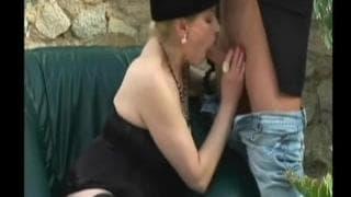Monia- Mummy needs a cock