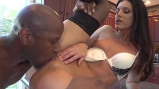 India Summer screams of pleasure with this big dick