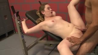Tera Knightly gets a work out in a threesome at the gym