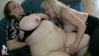 These two grandma's are very horny lesbians