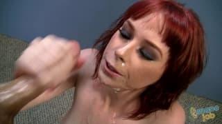 Zoey Nixon gives some nice handjobs!