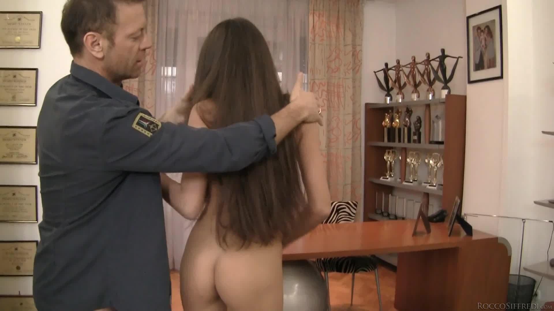 Agnessa Casting Porn nessa a has her ass penetrated for the first time - porndig