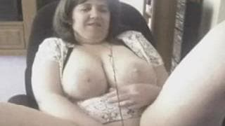 Horny fat wife plays with her cunt on cam