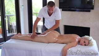 Anikka Albrite wants a sensual massage