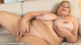 This bbw loves masturbating with her huge dildo