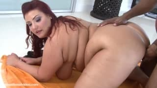 Kandi Kobain wants to eat this black cock