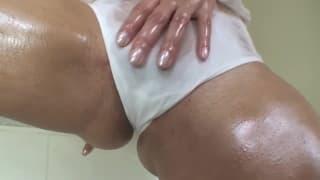 Sunny Leone is masturbating alone in the bath