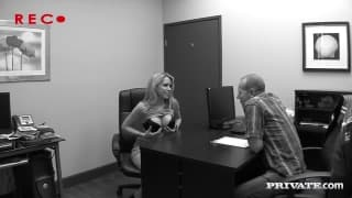 Courtney Cummz goes to the office for a fuck!