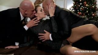 Samantha Joons has a double penetration!