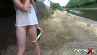 Samantha Bentley pisses outside on camera