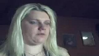 This chubby mom enjoys fistfucking on webcam