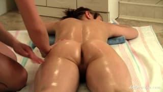 Galina Molodka receives a sensual massage