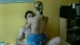 A hot scene with an amateur couple!