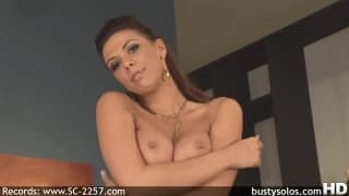 Rachel Starr is a sexy milf masturbating