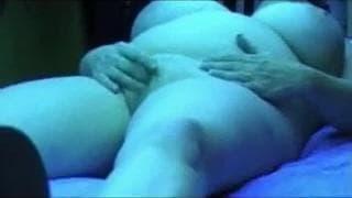 A mature BBW who enjoys touching herself