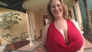 Seana Rae has really big tasty tits!