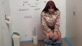 Sophia is a redhead enjoying a gloryhole!