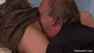 She has her pussy licked by and old man