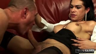 Kelly Q fucks her man hard like a bitch