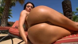 Franceska Jaimes is a sexy Colombian babe