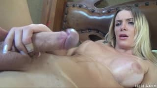 Taissi Fontini knows how to jerk off well