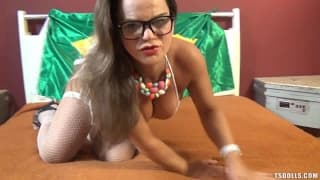 Roberta Vaz masturbates on webcam