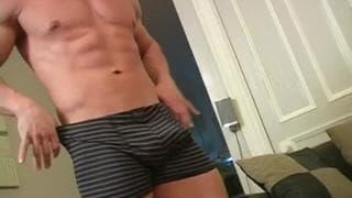 Jason has a very sexy body to enjoy!