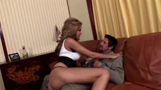 Isis Taylor gets banged by Tommy Gunn