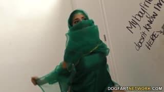 Nadia Ali enjoys this gloryhole session