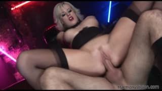 Syren Sexton is a hot blonde pornstar in xxx