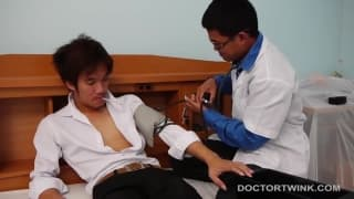Two Asians who sodomize with no condom!