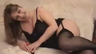 A hot blonde bitch makes herself cum