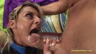 Kinky milf loves extreme foreplay!