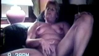 Here we see a mature woman jerking off