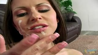 Rachel Roxxx uses her hands to make him cum