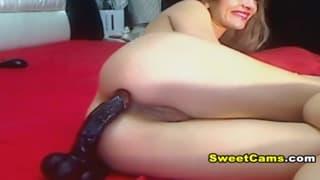 The hot blonde Cochonne masturbates