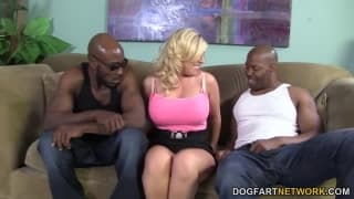 Heidi Hollywood has sex with two men