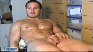 Sylvain Potard Keumgay is happy to wank