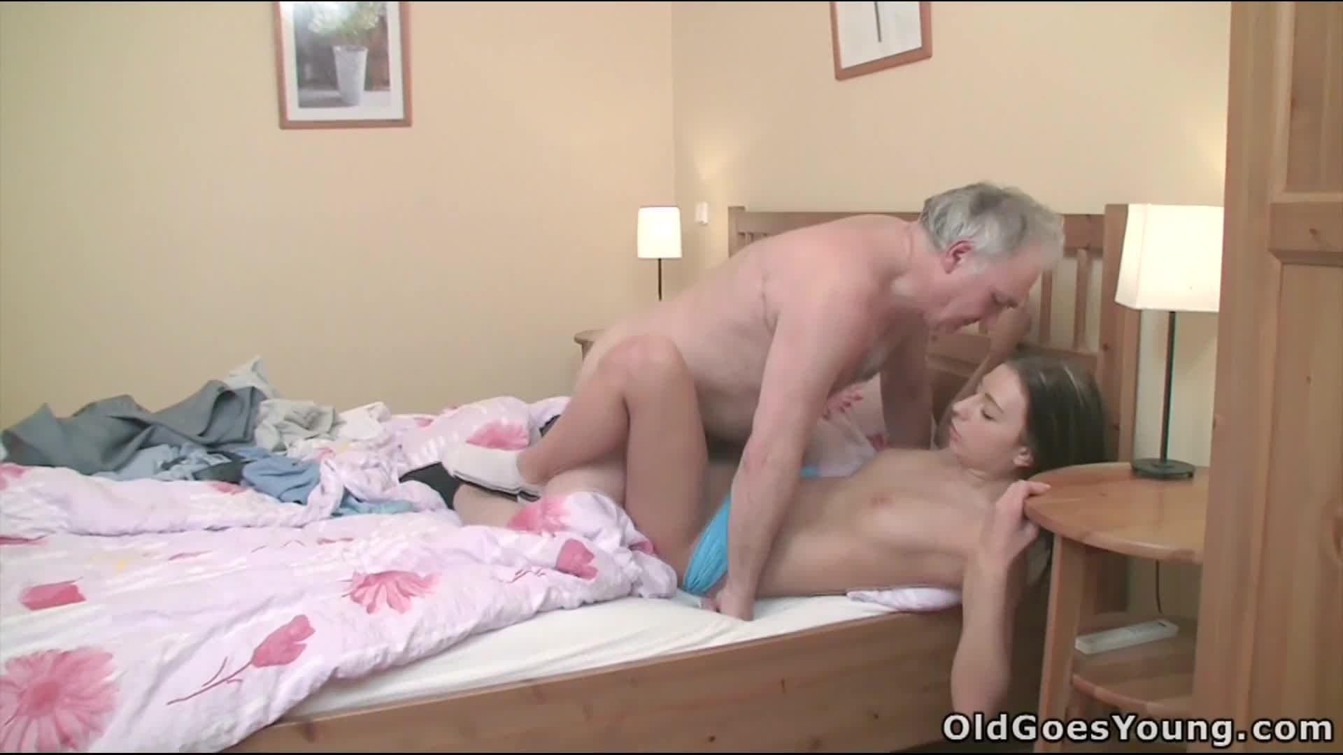 Sxy shos big tits