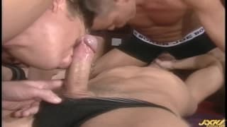 Strong orgy with professional gay actors